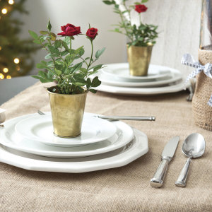 Decorating the Thanksgiving Table with live roses!